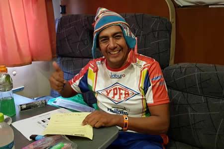 Fabricio Fuentes llega a Bolivia y agradece a Morales por contribuir en su recuperación