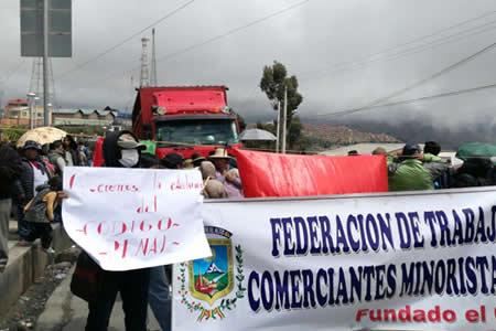 Oposición califica de 'engañosa' la propuesta de Evo y pide abrogación