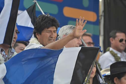 Encuesta ubica a Morales como líder en intención de voto con 35,6% seguido por Mesa