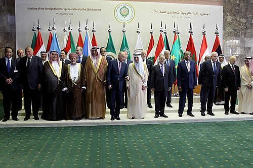 La cumbre de la Liga Árabe se abre en Arabia Saudí con críticas a Irán