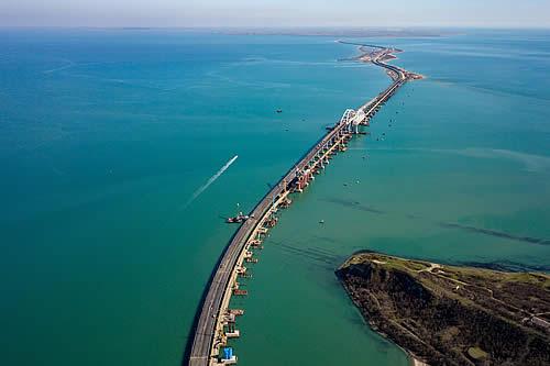La 'obra del siglo' que une orillas: el puente de Crimea ya es una realidad