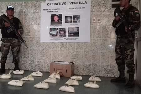 Hallan $us50 mil de cocaína en una vagoneta en El Alto