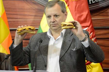 Explican con hamburguesas a Samuel que no hay gasolinazo