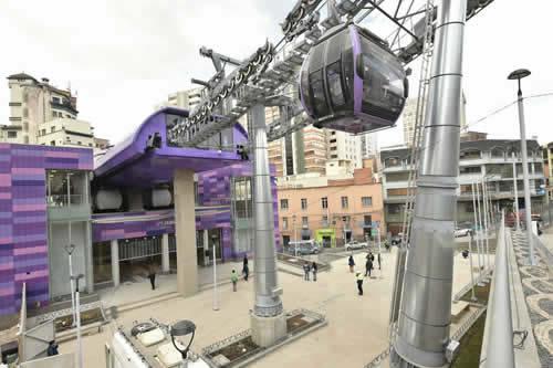 Mi Teleférico cierra operaciones en la segunda sección de la línea Morada por manifestaciones