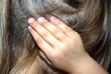 Una menor sufrió violaciones de su padre, abuelo y un tío