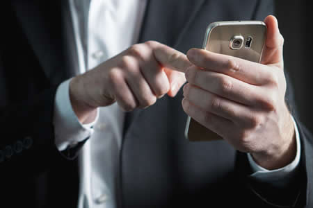 ¿Adictos a la tecnología? Un estudio revela en qué se usan los móviles en América Latina