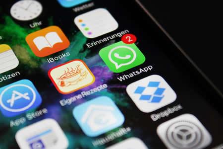 Lo condenan a 15 meses de prisión por enviar 469 mensajes de WhatsApp a su pareja en un mes