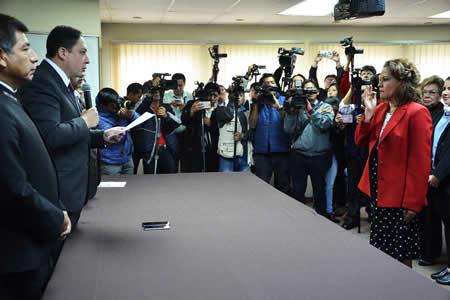 Arce posesiona a Erika Chávez como directora interina del Notariado Plurinacional
