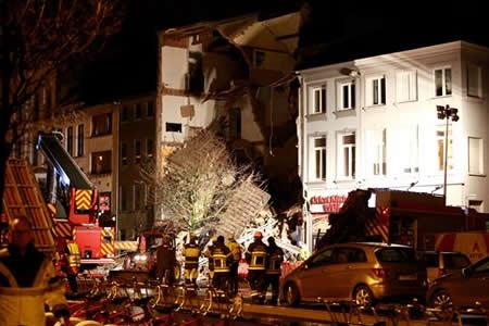 Explosión en vivienda de Amberes causó dos muertos y catorce heridos