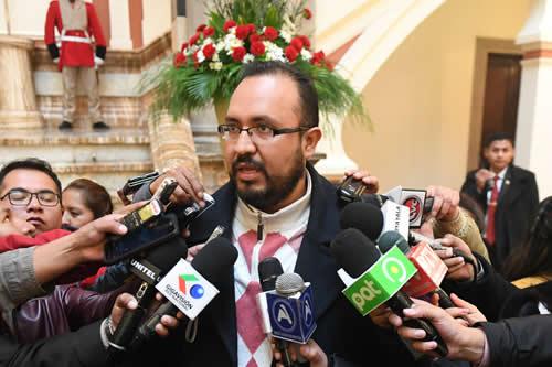 Claros: Estabilidad de Bolivia da seriedad y confianza para invertir en el tren bioceánico