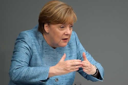 Merkel defiende lazos transatlánticos y alianzas para afrontar conflictos