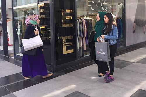 Turquía: un centro comercial para musulmanas conservadoras