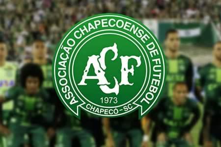 Chapecoense presenta su plantilla para 2017 dos meses después del accidente