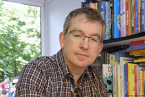El español Santiago Posteguillo gana el Premio Planeta de Novela