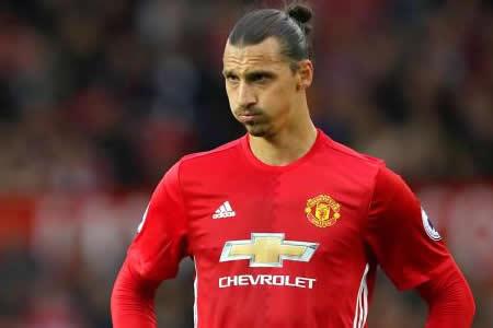 """""""Ibrahimovic es un león y volverá a jugar este año"""", dice Mourinho"""