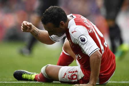 """Wenger asegura que la lesión de Cazorla es """"la peor"""" que ha visto"""