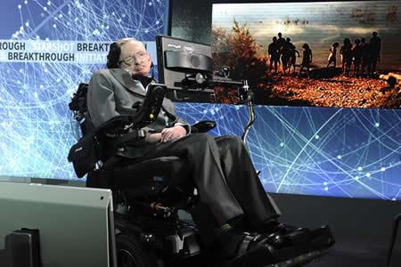 """Stephen Hawking: """"Ha llegado el momento más peligroso para nuestro planeta"""""""