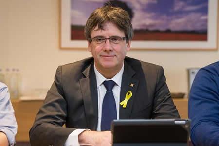 Independentistas catalanes propondrán a Puigdemont como nuevo presidente