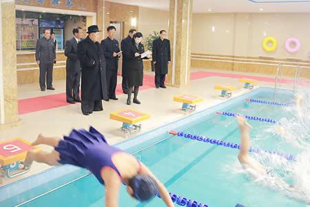 Kim Jong-un visita una universidad en Pionyang y causa furor entre las estudiantes