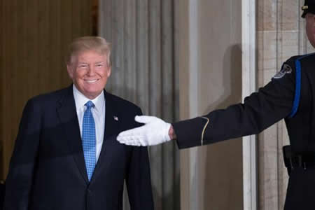 """Diez momentos del primer año Trump: un """"hombre cohete"""" y """"agujeros de mierda"""""""