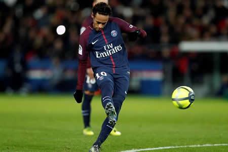 Neymar hace un póquer en el vapuleo (8-0) del PSG al Dijon