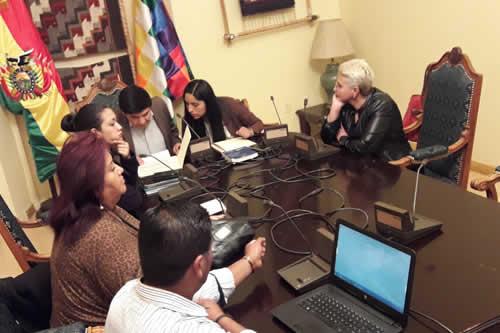 Comisión que investiga el caso Odebrecht solicitará información financiera a Brasil