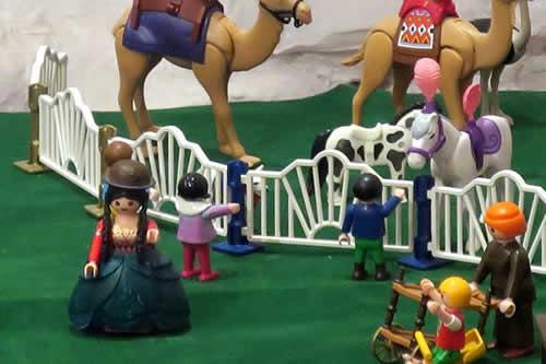 """La emblemática """"cholita"""" boliviana llega a las populares figuras de Playmobil"""