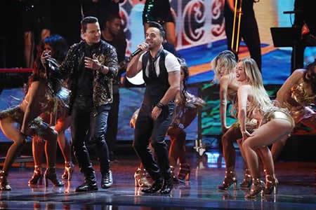 """Los Grammy Latino se rinden al fenómeno imparable de """"Despacito"""""""