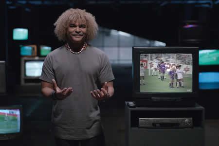 """""""Gracias por tocarme los huevos"""": Nueva campaña contra el cáncer con estrellas de fútbol"""