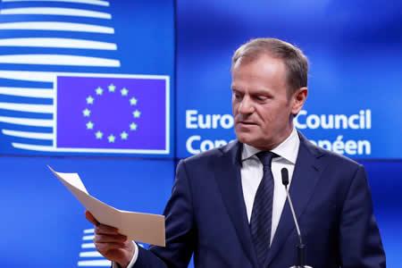 """La UE da un ultimátum a Londres para avanzar en negociaciones del """"brexit"""""""
