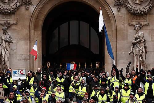 Francia debatirá sobre referéndum de iniciativa ciudadana