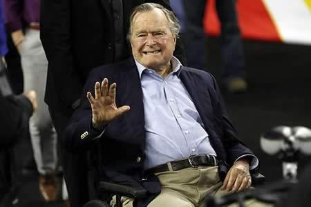 El expresidente George H.W. Bush mejora y ya respira sin asistencia