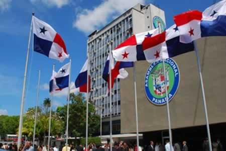 Panamá instalará comité de expertos que revisará sistemas fiscal y financiero