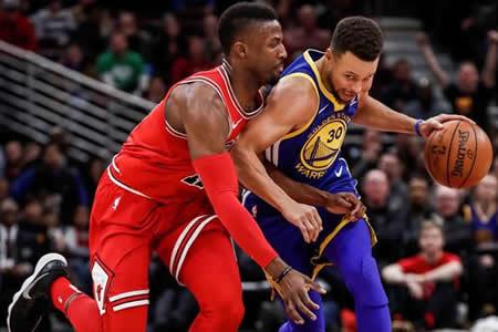 Thompson y Curry pueden con inspiración de Mirotic y ganan Warriors