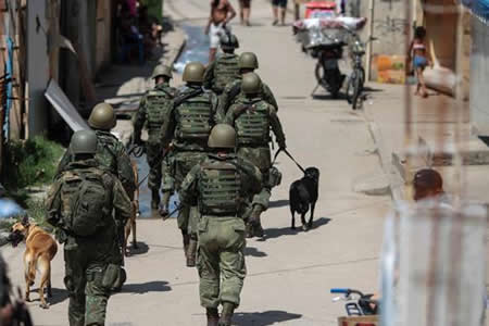 Detienen a 8 personas en operativo que movilizó más de 3.000 militares en Río