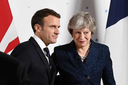 """Reino Unido y Francia apuestan por reforzar lazos militares pese al """"brexit"""""""
