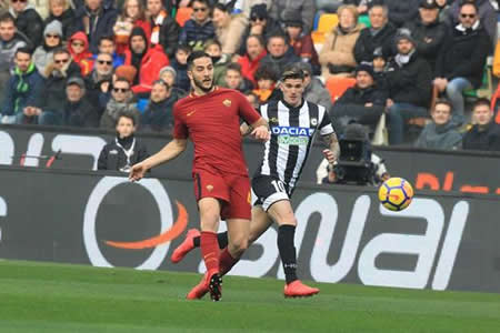 El Roma gana 2-0 en Udine y alcanza momentáneamente la tercera plaza