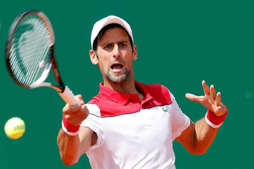 Djokovic sufre para cerrar la victoria ante Coric