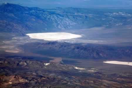 Misterio en el Área 51: Turistas filman una densa nube de humo con forma de hongo