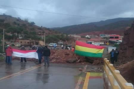 Tarija reporta 30 puntos de bloqueo en la ciudad y Villa Montes un paro total