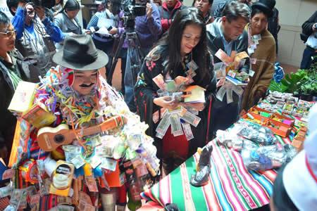 Presentan agenda Alasita 2018 para promocionar su declaratoria por UNESCO y revalorizar el trabajo de artesanos
