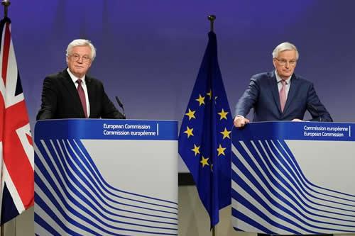 """La UE y el Reino Unido acuerdan una transición del """"brexit"""" de dos años"""