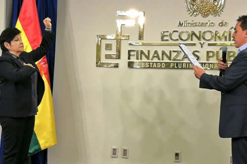 Posesionan a exministra Morales a cargo de investigaciones financieras
