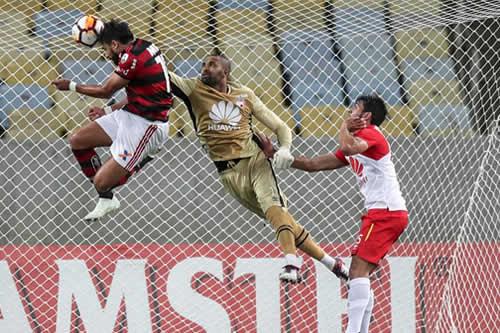 Morelo salva a Santa Fe ante el Flamengo y llega a su octavo gol