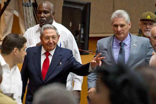 """Raúl Castro anuncia que se presentará """"un proyecto de nueva Constitución"""" para Cuba"""