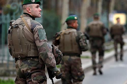 Francia envía 300 militares y 24 blindados junto a la frontera con Rusia para reforzar al Ejército de Estonia