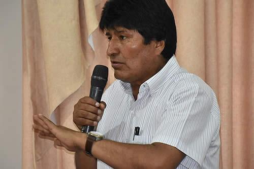 Morales presentará tres leyes a favor de residentes bolivianos en el exterior en su visita a Argentina: Pary