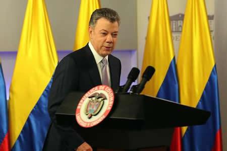 Santos anuncia recorte de 1.344 millones de dólares de presupuesto colombiano