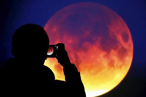 ¡Visible en toda América!: Cómo y cuándo observar la 'superluna de sangre'