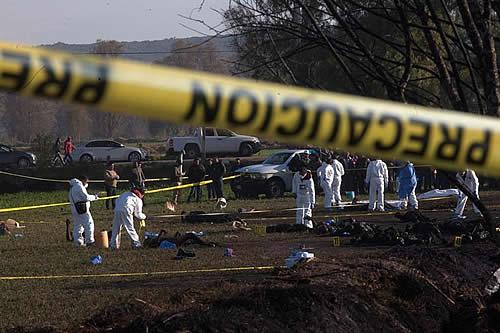 Aumentan a 85 la cifra de muertos en explosión por robo de gasolina en México
